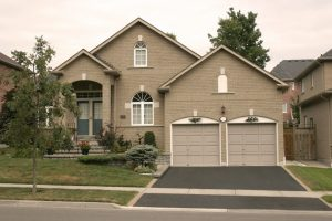 sprzedaż domów kanadyjskich